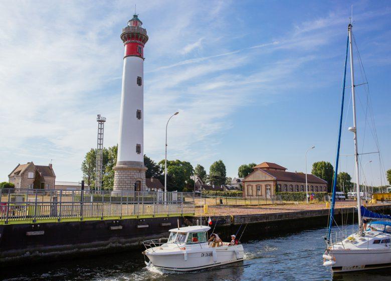 298369–Caen-la-mer-Tourisme—Les-Conteurs–Droits-reserves-Office-de-Tourisme—des-Congres–1200px