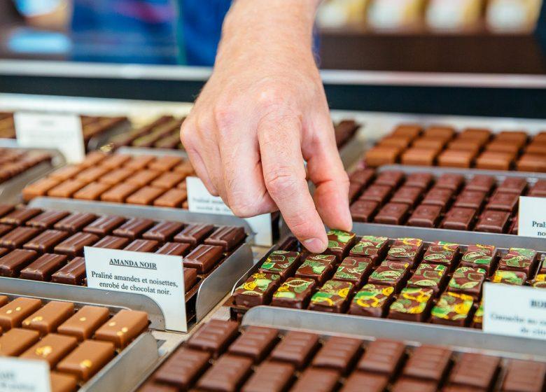 54392-Alban-Guilmet-patissier-chocolatier-Caen-la-mer-Tourisme—Les-Conteurs–Droits-reserves-Office-de-Tourisme—des-Congres–1200px