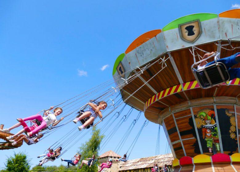 Festyland, Bretteville-sur-Odon, Chaises volantes