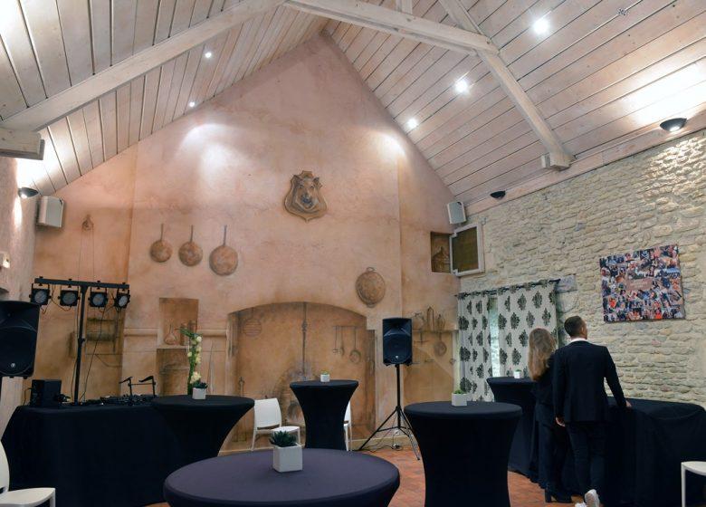 Le Bec Faim – Salle mange debout – ©Le Bec Faim_stéphanedévé