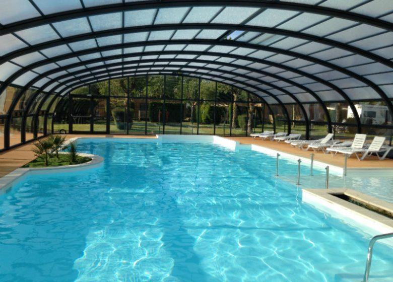 camping-seasonova-riva-bella-piscine-couverte
