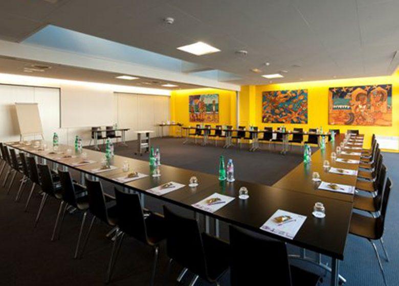 Ibis Styles Ouistreham – Salle de réunion